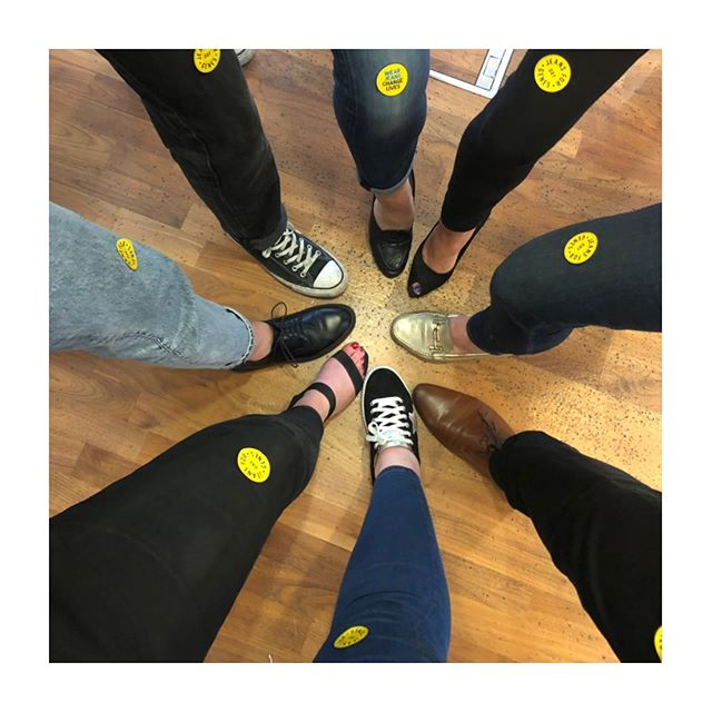 JEANS FOR GENES DAY 2019! Rocking out denim for a fantastic cause #jeansforgenes #jeansforgenes2019 👖